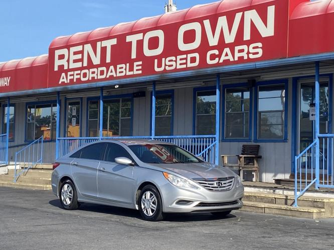 2013 SILVER HYUNDAI SONATA GLS (5NPEB4AC4DH) , located at 815 E Broadway St, North Little Rock, AR, 72114, (501) 801-6100, 34.755993, -92.259071 - Photo #0