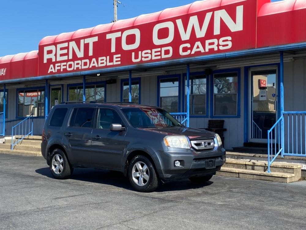 2011 GREY HONDA PILOT EXL-NAVI (5FNYF3H77BB) , located at 815 E Broadway St, North Little Rock, AR, 72114, (501) 801-6100, 34.755993, -92.259071 - Photo #0